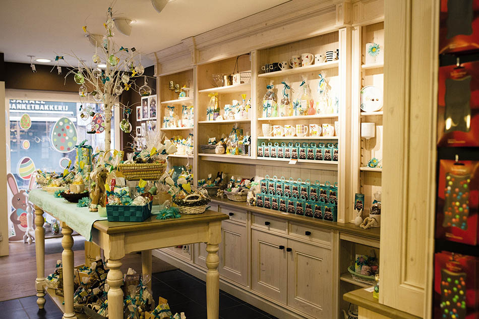 Valentino Chocolatier: Say Easter with chocolates